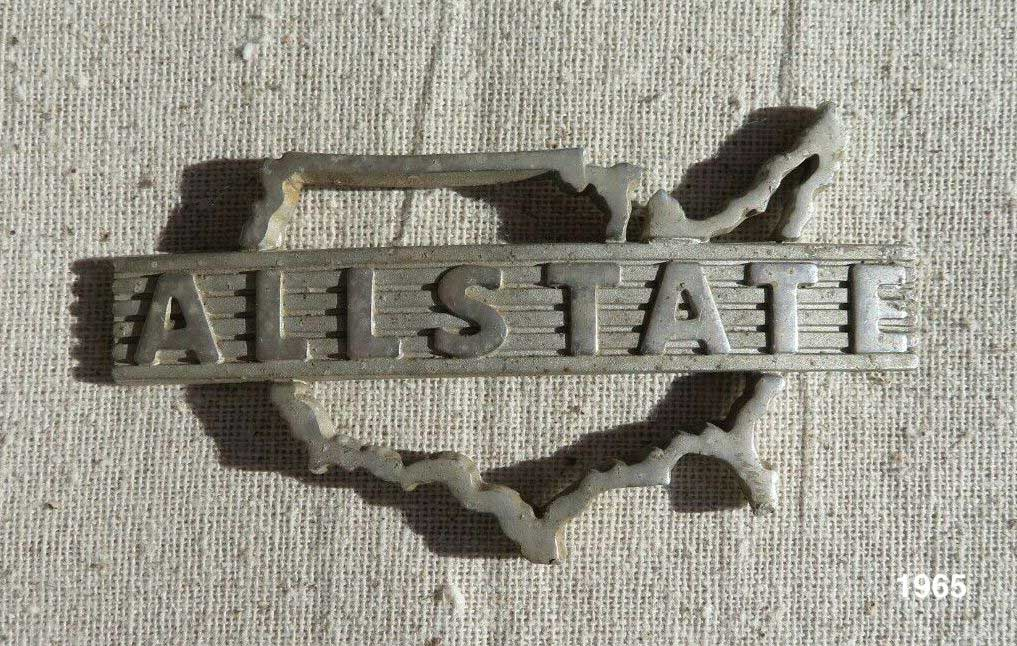 17532 Piaggio Allstate Badge